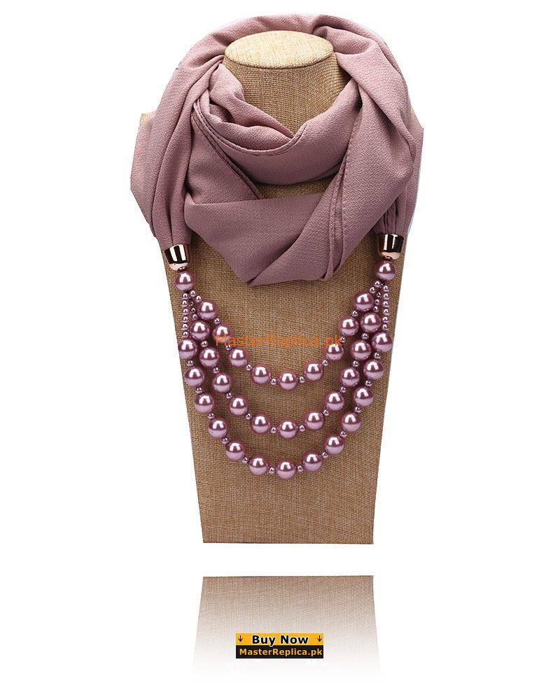 crimson scarf with Necklace