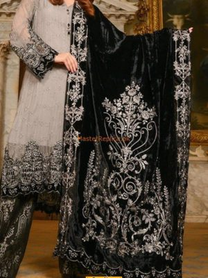 MARIA B EMBROIDERED VELVET BRIDAL SHAWL WINTER COLLECTION 2018 MASTER REPLICAMARIA B EMBROIDERED VELVET BRIDAL SHAWL WINTER COLLECTION 2018 MASTER REPLICA